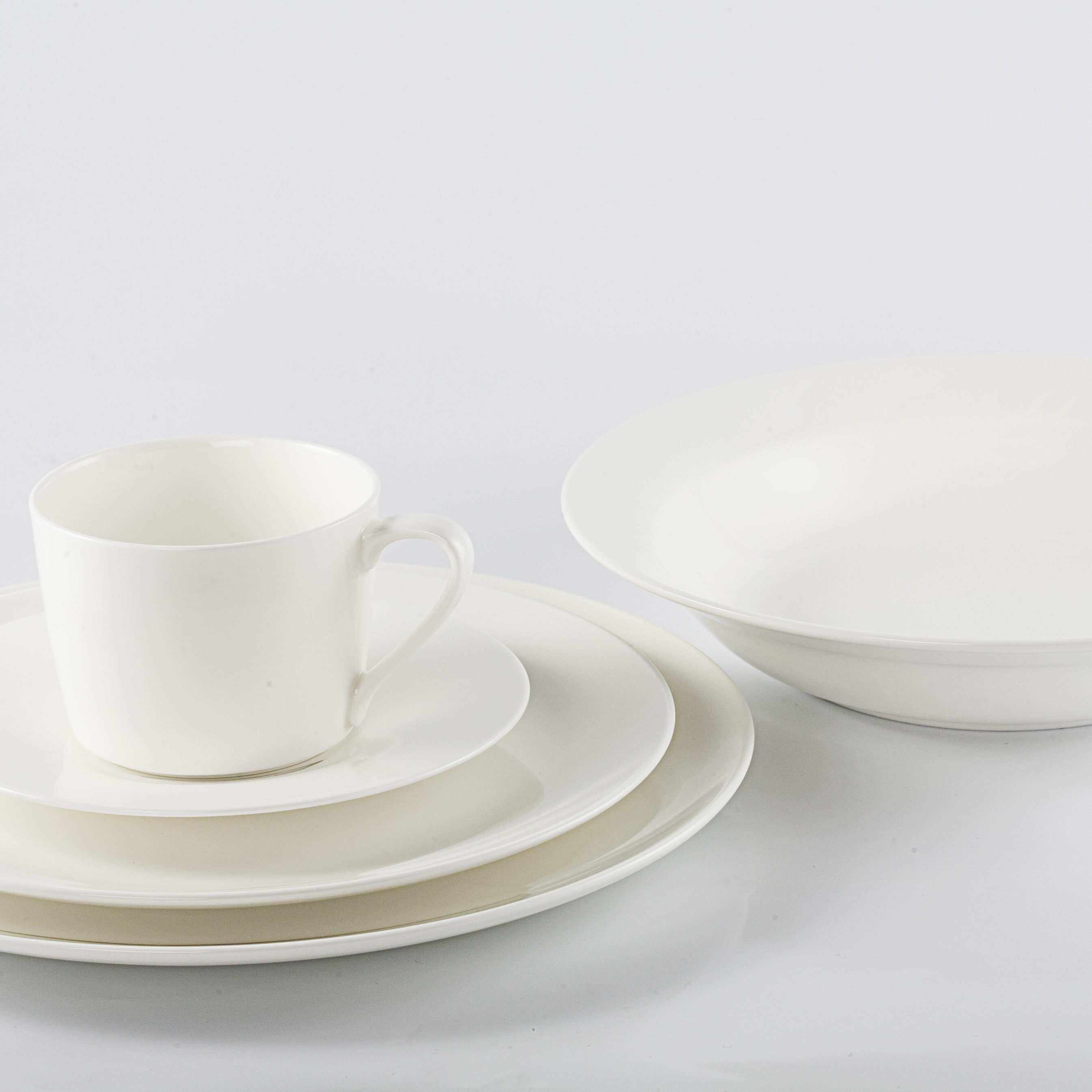4 Piece Place Setting - Continental Soup Bowl