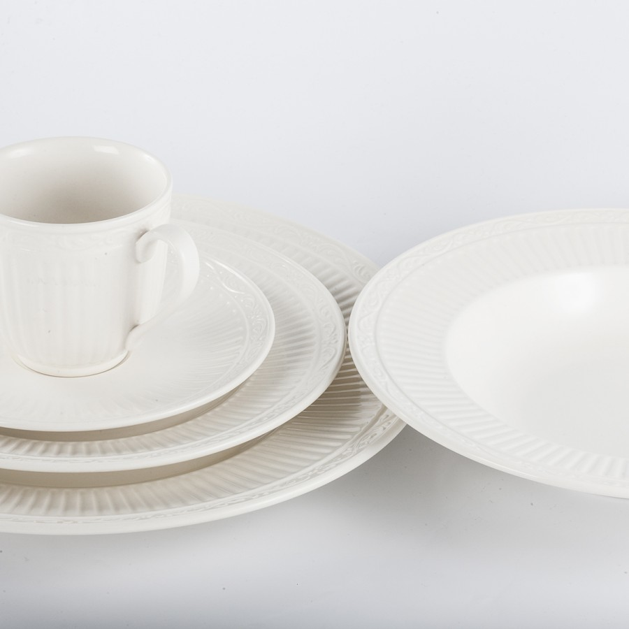 5 Piece Place Setting William Ashley China