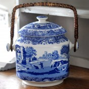 200th Anniversary Biscuit Barrel, 22cm