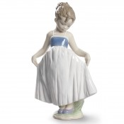 Look at My Dress Figurine, 20cm
