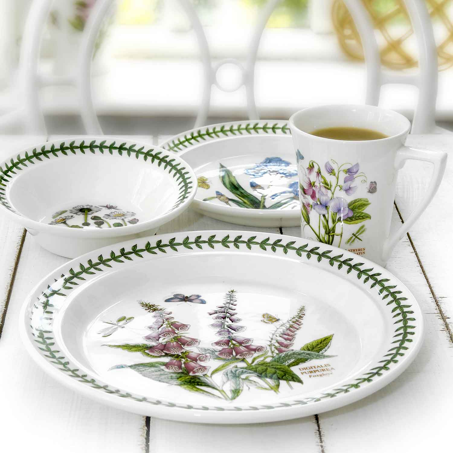 5 Piece Place Setting - Traditional (Curved) Teacup