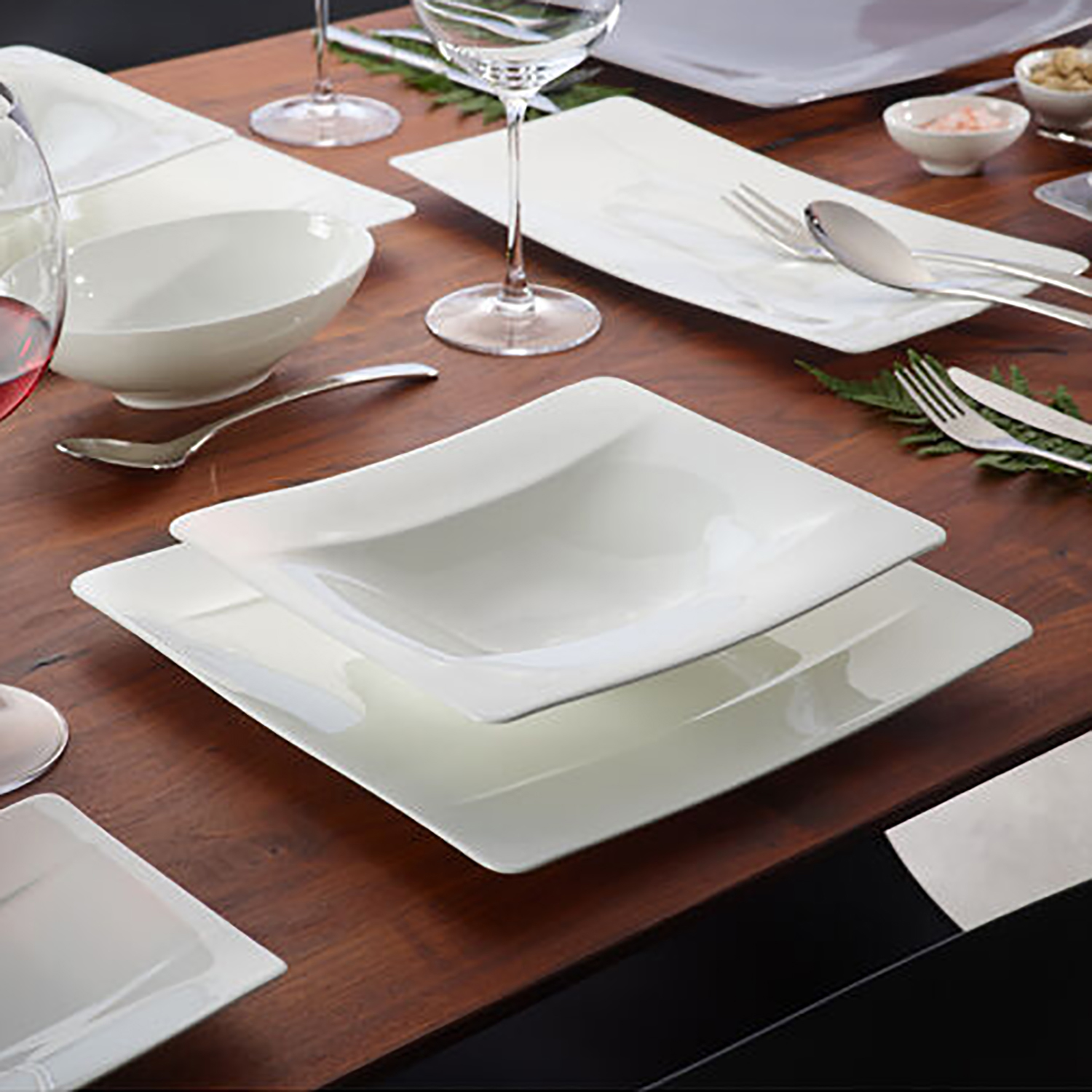 4 Piece Place Setting (Square Shape)